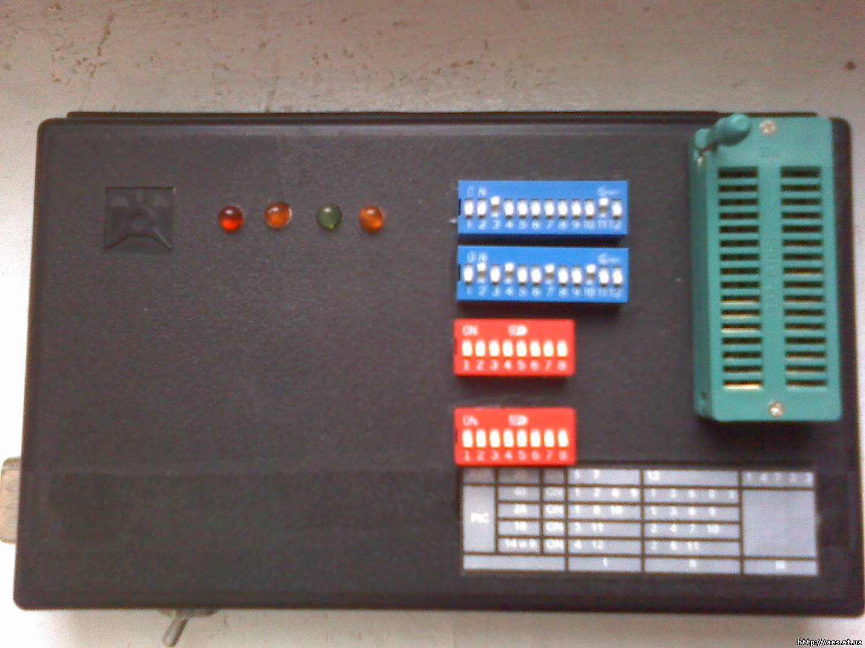 Читать запись: Универсальный программатор для AVR, PIC, I2CEPROM (с печатной.