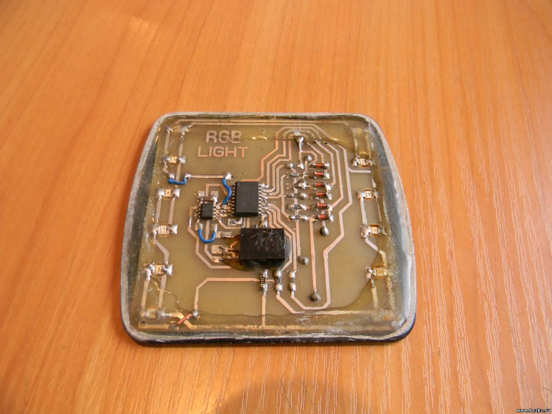 """Программирование.  PIC12F629 паяем первым и  """"шьем """" на плате, потом можно поставить ИК приемник.  PIC16F628А также..."""