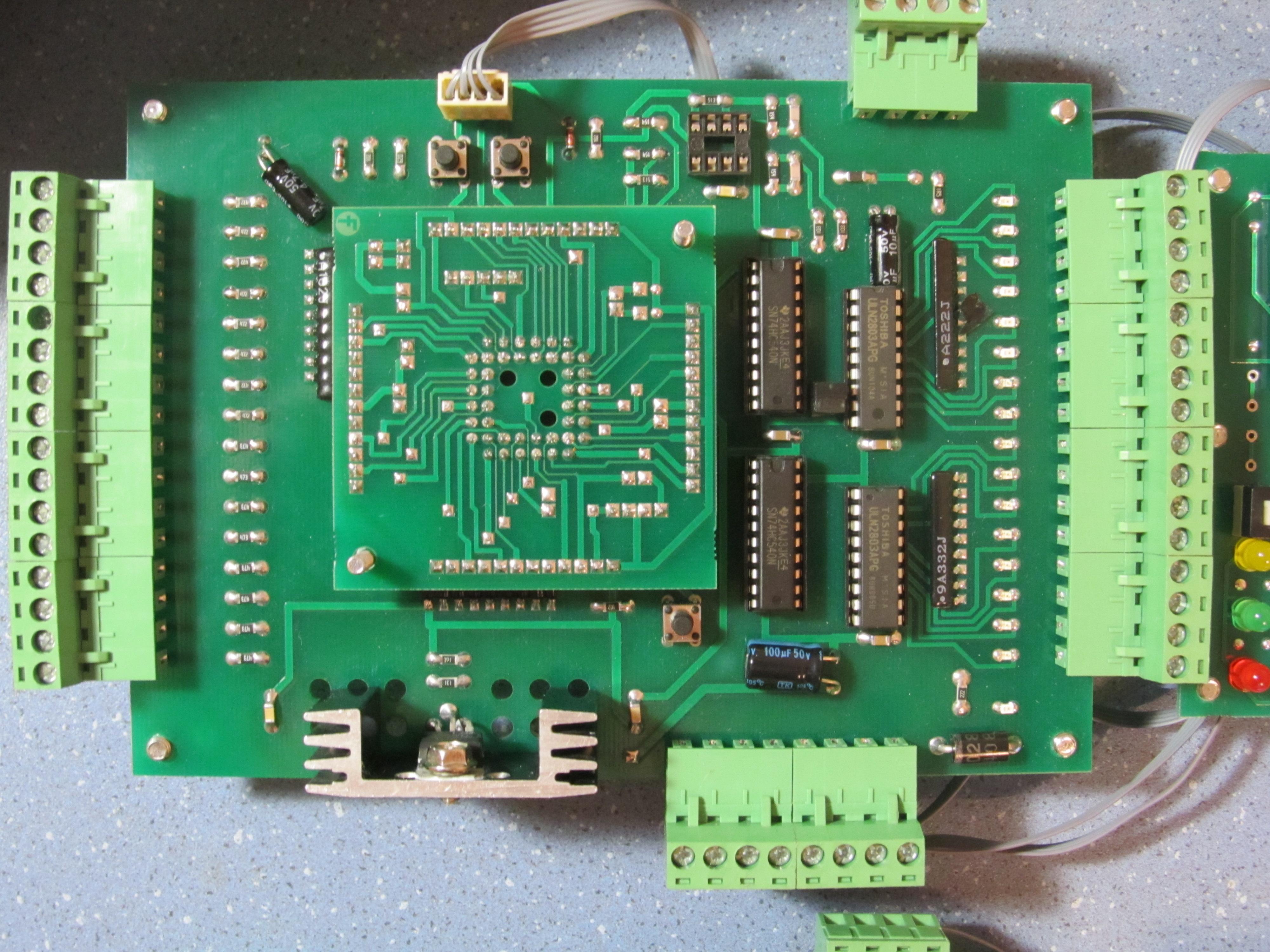 Универсальный контроллер с встроенным интерпретатором БЕЙСИК